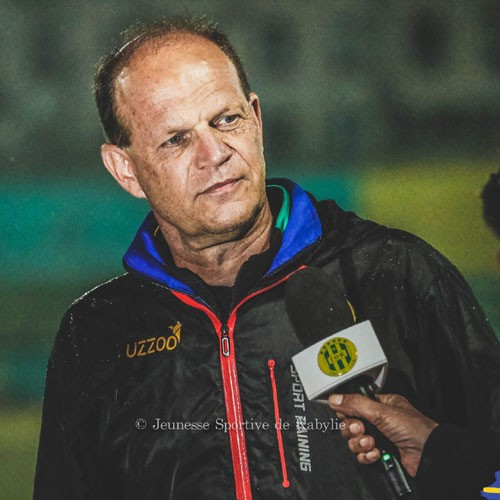 ALGÉRIE :: Denis Lavagne ménage ses joueurs avant le déplacement :: ALGERIA