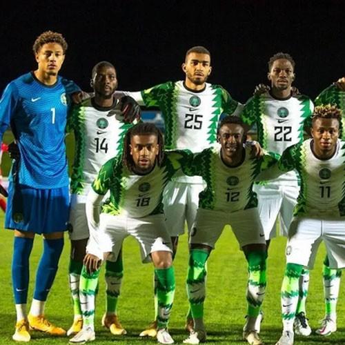 NIGÉRIA :: Nigeria 4-4 Sierra-Leone: Osimen sort sur blessure