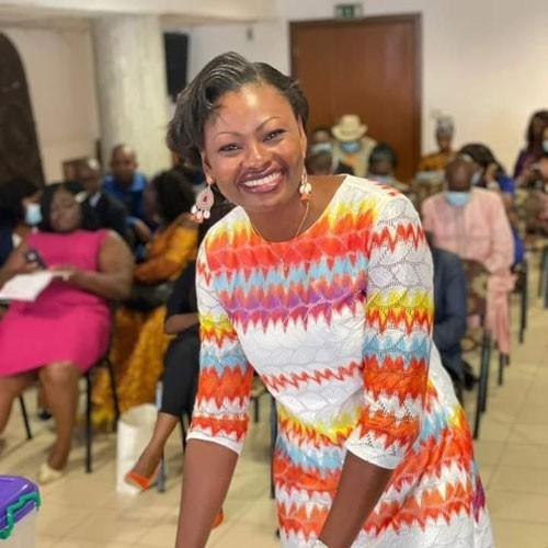 CAMEROUN :: Evelyne OWONA ESSOMBA, nouveau visage de l'association des journalistes :: CAMEROON