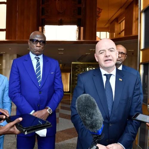 Gianni Infantino soutient le redémarrage du football africain au Cameroun :: CAMEROON