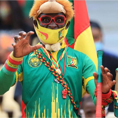 CAMEROUN :: Les légendes du foot séduites par le site de l'Ouest :: CAMEROON