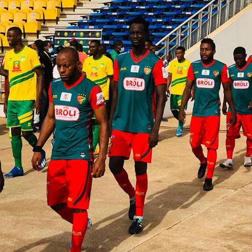 CAMEROUN :: Le Kpa Kum affronte Apejes :: CAMEROON