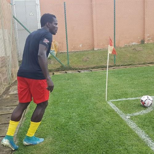 CAMEROUN :: Victoire des Astres réduits à 10 :: CAMEROON